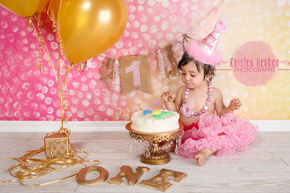 1 year girl pink cake smash